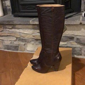🆕 Frye Women's Regina ZIP Boot Size-9